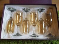 *6 Gold and Swirl patterned champagne flutes