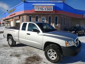2005 Dodge Dakota ST KING CAB V-8 MAGNUM BAS MILAGE AIR CLIMATIS