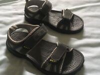 ladies Cotton Traders sandals size 6