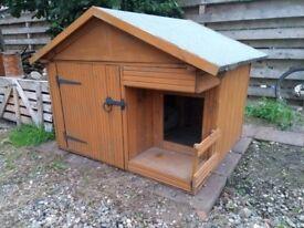 Heavy duty insulated dog kennel