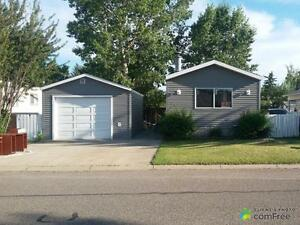 $182,500 - Mobile home for sale in Strathmore