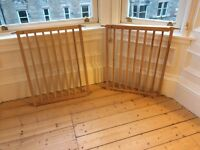 Super easy to operate stylish beech wood MultiDan safety gates £15/gate