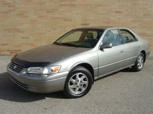 1999 Toyota Camry XLE. WOW!! Only 114000 Km! Loaded! Leather!