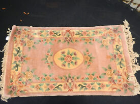 Chinese style pink rug with flowers decoration