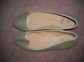 Atmosphere ladies shoes size 3 new with tags