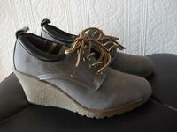 Size 5 Grey wedge ankle boots/shoes
