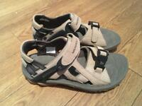 Merrell Kahuna III Sandals Ladies Size 5