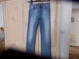 RIVER ISLAND JEANS SIZE 8 AS NEW CONDITION