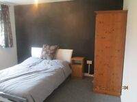 LARGE FURNISHED DOUBLE ROOM TO RENT IN EAST SWINDON