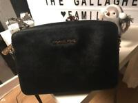 Michael kors black jet set travel cross body bag
