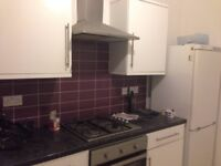 2 bed flat in Harrow Weald above shops -AVAILABLE 12TH JAN 2018