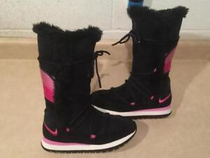 0cdae766e9 Womens Size 7 Nike Side Zipper Winter Boots