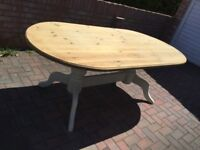 Gorgeous Pine Twin Pedestal Dining Table