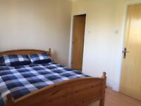 BIG DOUBLE ROOM WITH PRIVATE BATHROOM NEAR CANARY WHARF, £950 PER MONTH, £100 DEPOSIT