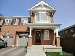 $698,553 - Townhouse for sale in Aurora