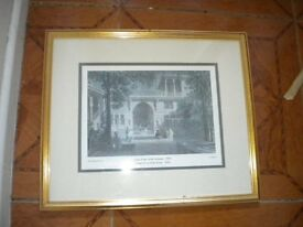 A FRAMED PRINT 1836 OF A COURT OF A COUNTRY HOUSE BY W H BARTLETT RA 10X16 INCHES