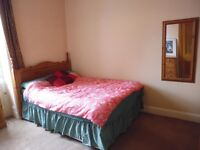 Sunny Double Room Available in Morningside NOW!!