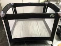Travel cot, amazing condition, smoke and pet free house
