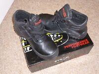 BLACKROCK SAFETY BOOTS SIZE6