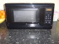 hotpoint black gloss microwave easy one touch in perfect condition