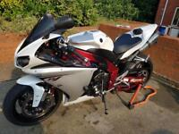 Yamaha r1 Big Bang with nice extras