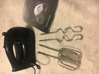 TESCO HM13 BLACK HAND MIXER WHISK BEATERS DOUGH HOOK