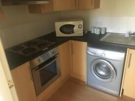 One bedroom flat available to rent. Part furnished. Close to hospital and city centre.