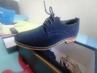 Navy sudue shoe