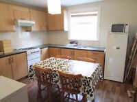 *** 3 BED FLAT - £550 PW - ARCHWAY N19 ***
