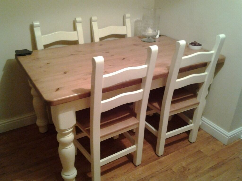 Country kitchen dining room table and chairs
