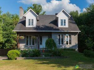 385 000$ - Maison 2 étages à vendre à Lorraine