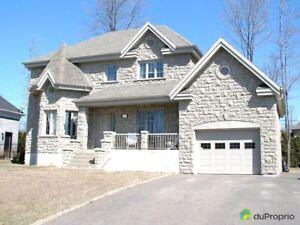 369 000$ - Maison 2 étages à vendre