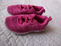 Baby girl fabric brand shoe size 6