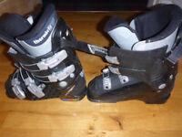 Salamon Black Ski Boots, size 6
