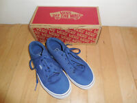 Boys Vans trainers with box - size 3
