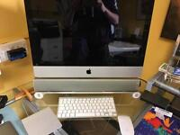 SOLD Apple Mac In Mint condition! Touch Pad, Air Mouse, Sound bar and USB stand.