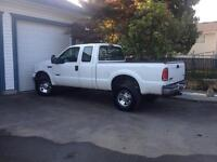 2006 Ford F350 very clean