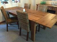 Extendable Next Hartford 6-10 seater table