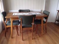 Vintage Alfred Cox Extendable Dining Table in Indian Laural and 4 Regal Chairs