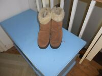 Women's/Girls UGG Boots size 6.5