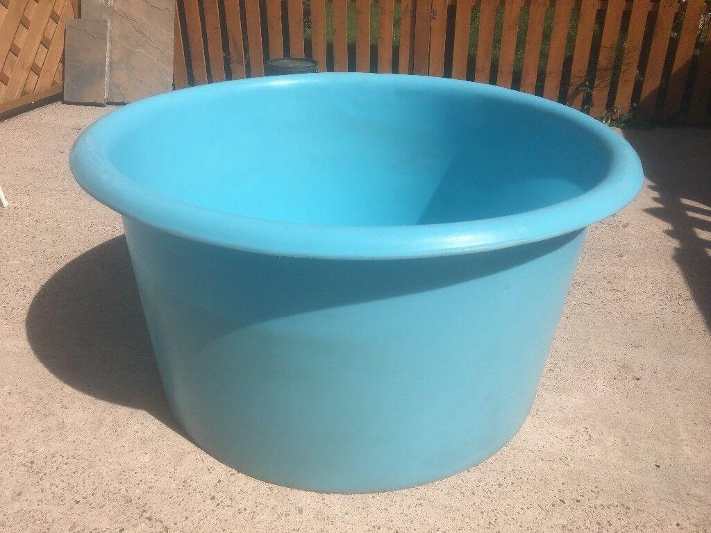 Funky Plastic Garden Tub Motif - Bathroom and Shower Ideas ...