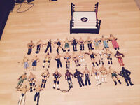 35 wrestling figuers plus ring,,£50