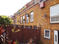 3 bed maisonette close to Broadway Market with front garden