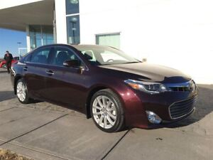 2014 Toyota Avalon Limited * Heated Seats, NAVI, Back Up Camera