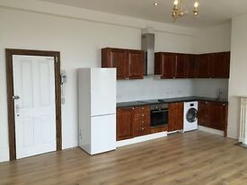 REFURBISHED 3 BED FLAT - NORWOOD JUNCTION