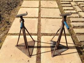axle stands for static caravan or car maybe