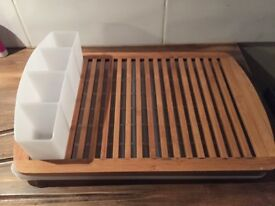 Draining board with cutlery tray