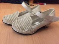 New girls shoes size 8