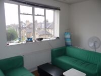 CHEAP 4 BEDROOM FLAT IN CLAPHAM JUNCTION CALL NOW FOR A VIEWING!!!