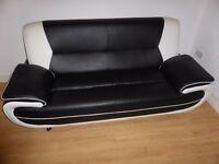 2 lovely sofas 3 and 2 seats exellent condition